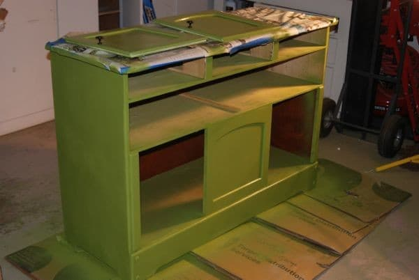 how to spray paint furniture. Black Bedroom Furniture Sets. Home Design Ideas