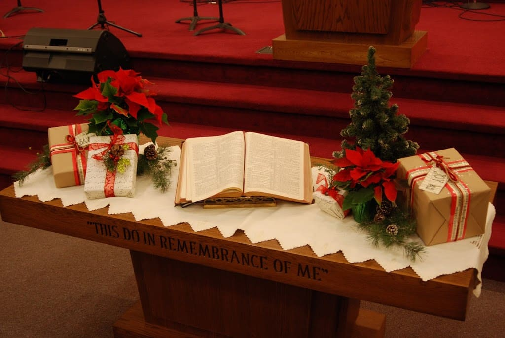 Church Christmas Decorating
