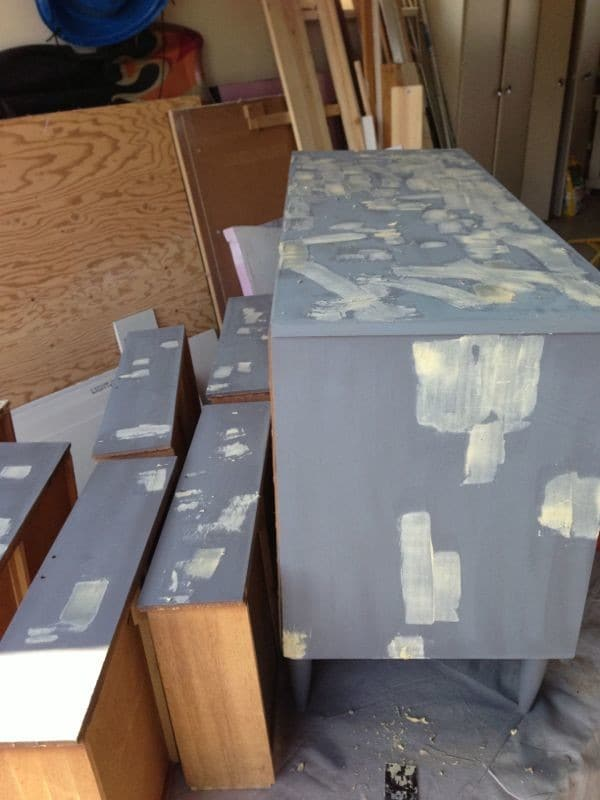 How to Prime and Seal Furniture