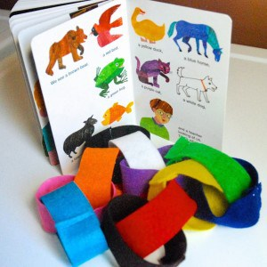 Brown Bear Brown Bear Felt Chain for Learning Colors