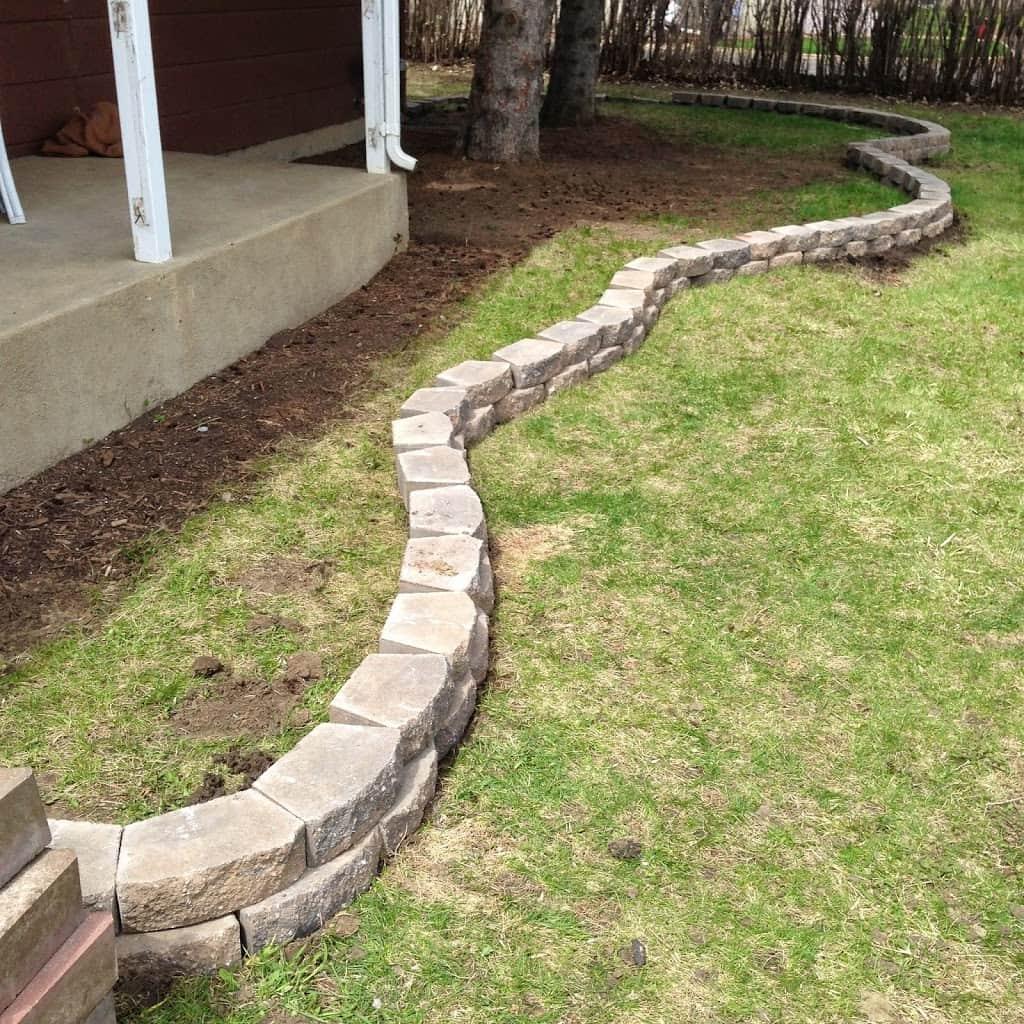 Curvy Brick Edging Landcape Flower Bed