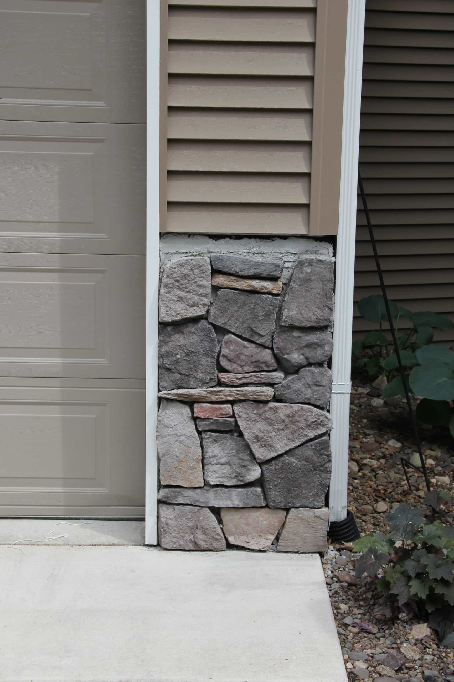 Best 25 Stone Veneer Exterior Ideas On Pinterest: DIY Stone Veneer On House Exterior