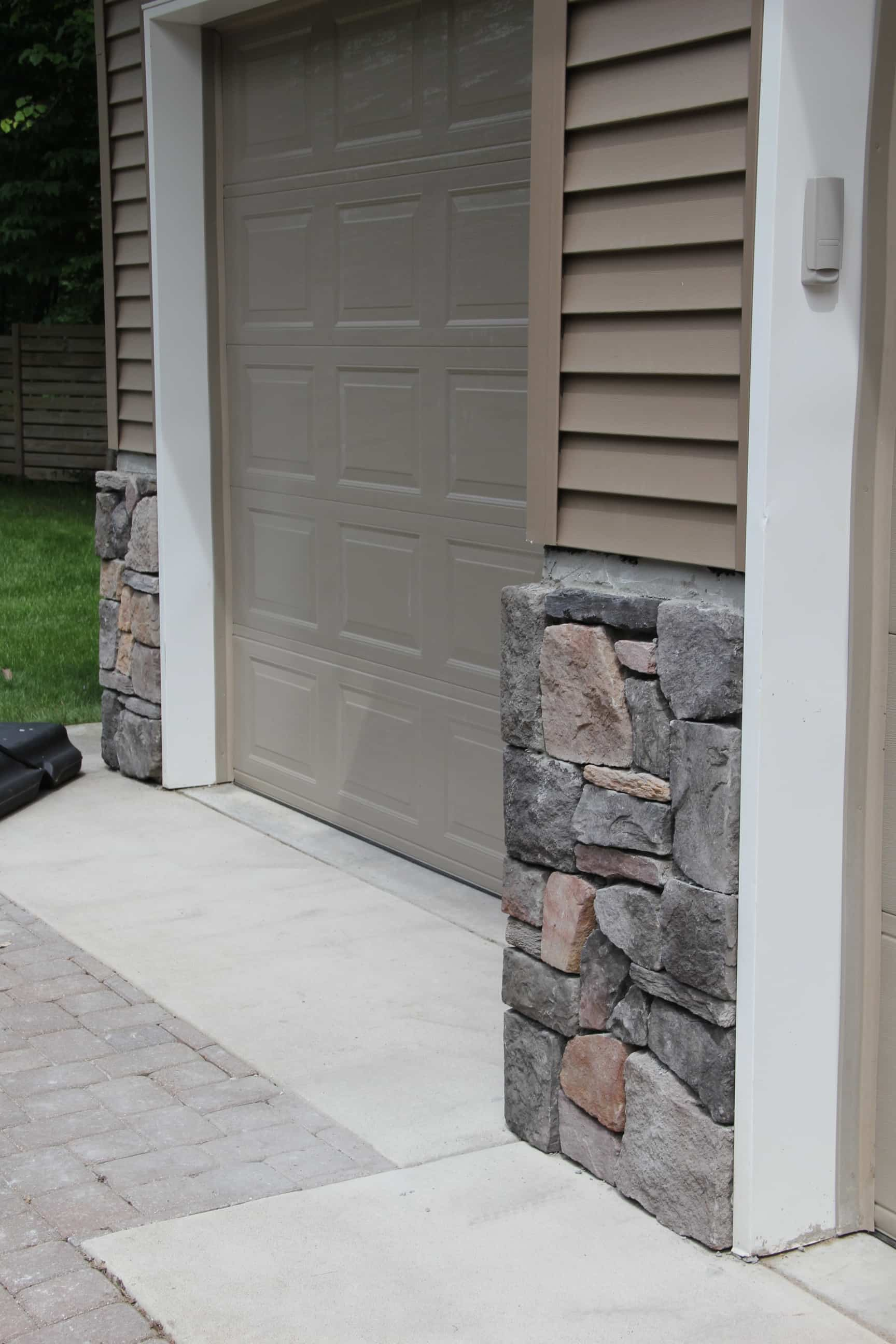 How to Install Rock on House Siding