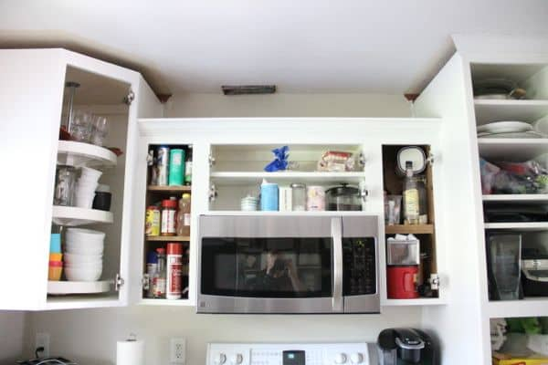 Spray Kitchen Cabinets without Taping Your Kitchen-15