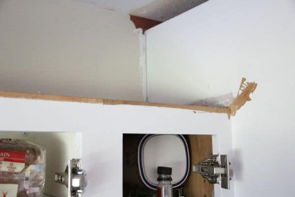 Spray Kitchen Cabinets without Taping Your Kitchen-16