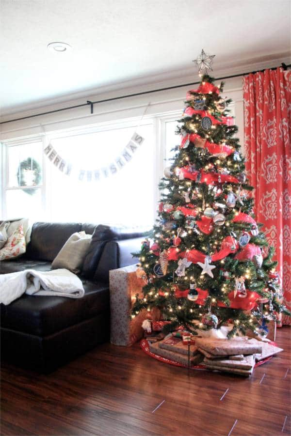Vintage Modern Christmas Home Tour-13