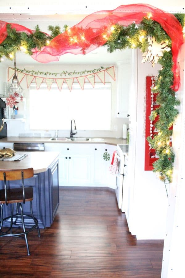 Vintage Modern Christmas Home Tour-18