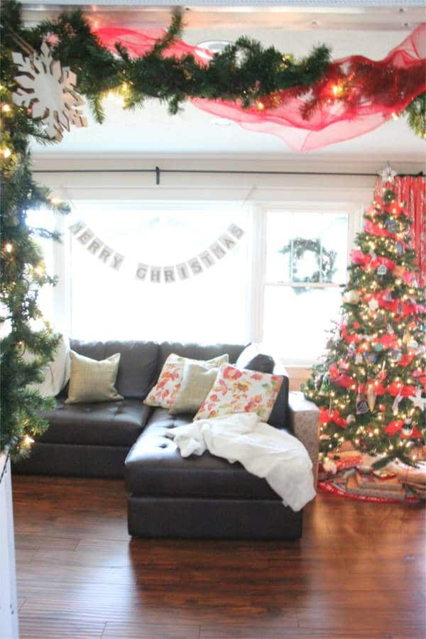 Vintage Modern Christmas Home Tour-26