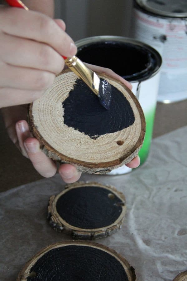 DIY Chalkboard Wood Log Slice Ornament