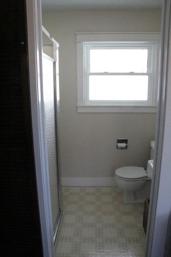 Modern Industrial Bathroom-8