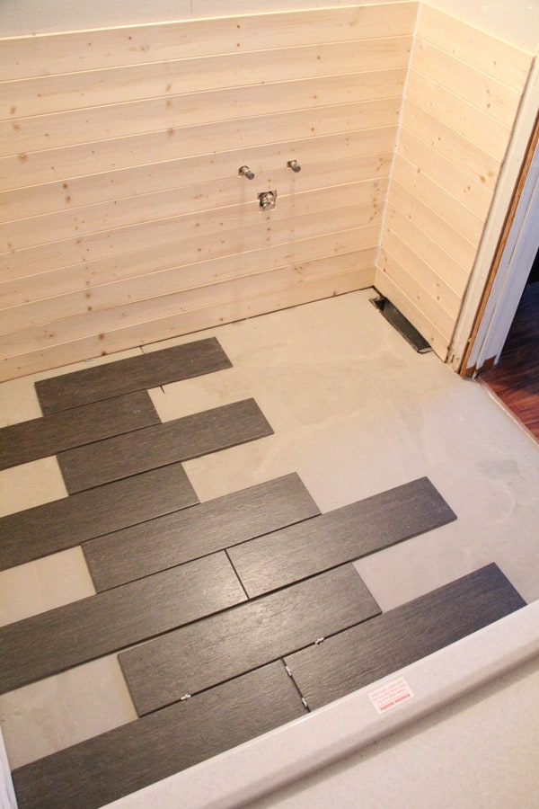 Plank tile and plank wall bathroom