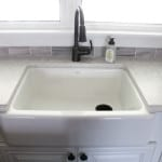 Farmhouse Sink with Quartz Contertops