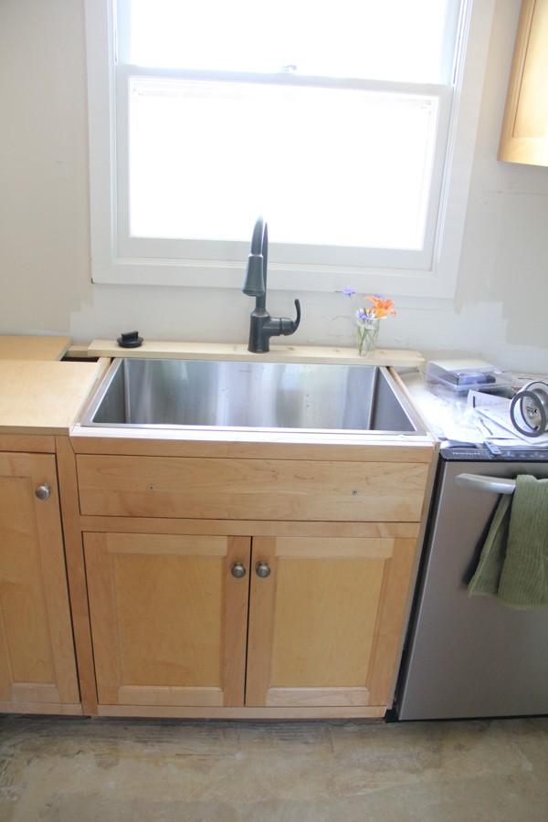 Craigslist Kitchen Cabinets-6 - Bright Green Door