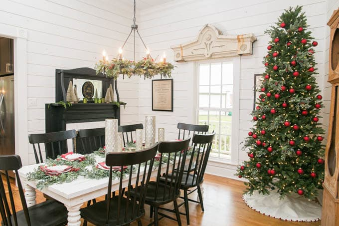 Black windsor Chairs in Dining Room