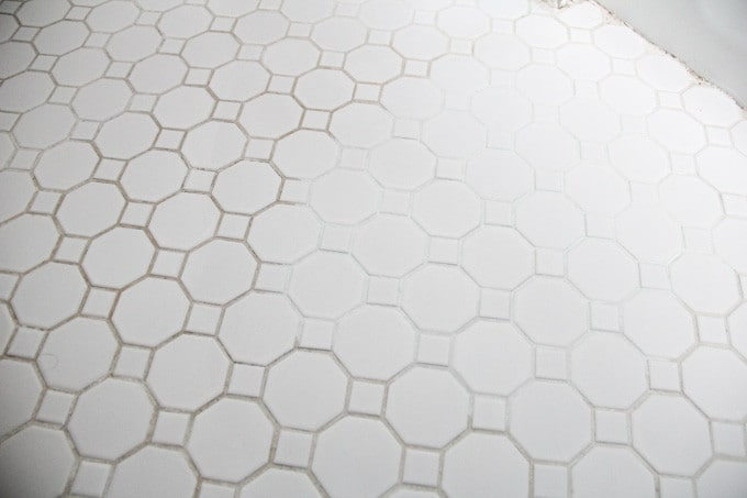 How to add colorant to dirty grout