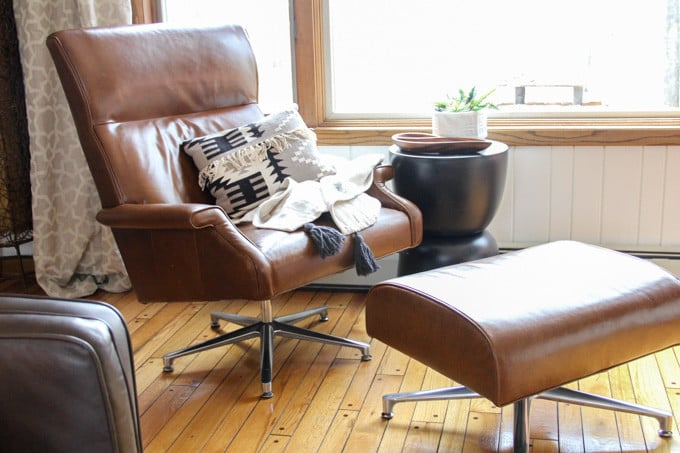 Superbe Camel Leather Armchair