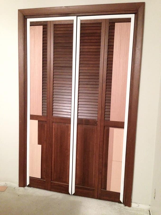 How to plank bi-fold closet doors