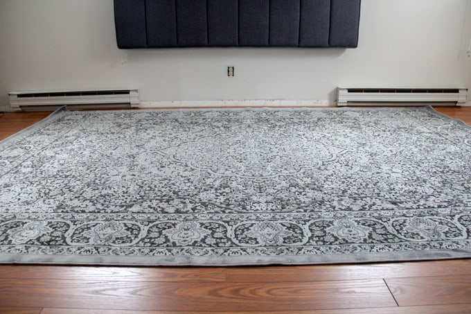Modern Black Traditional Rug