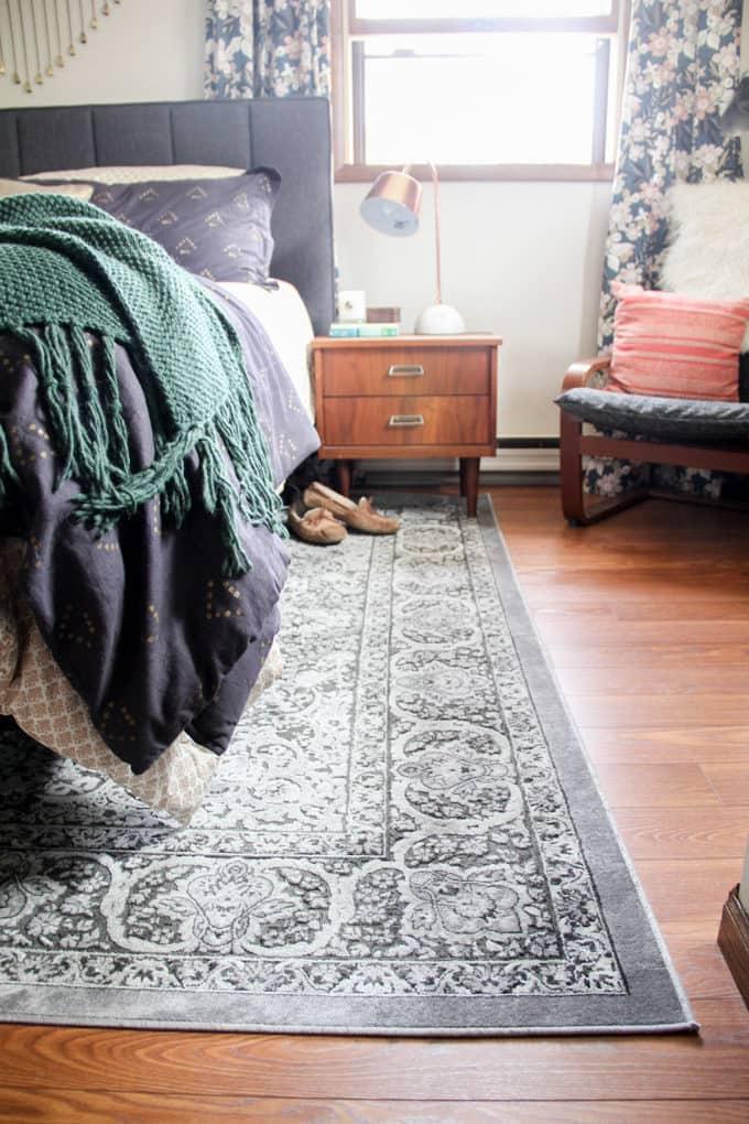 Classic Rug in Modern Bedroom