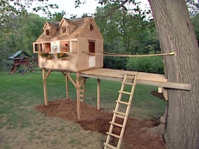 Kid's Treehouse with Bridge
