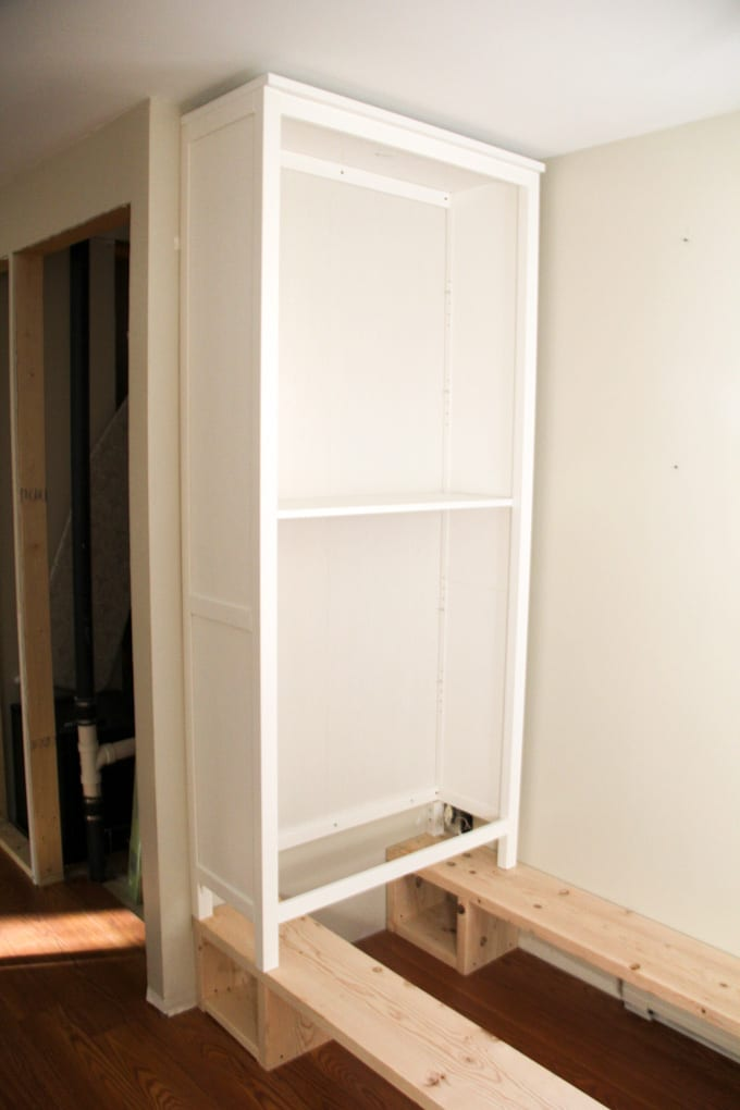 How to Build in Ikea Hemnes Bookshelf