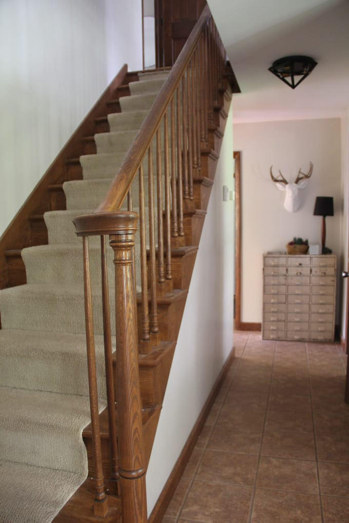Delicieux Carpeted Stairs Before Picture