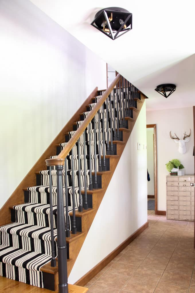 Black Painted Staircase Modern Stairs with Carpet Runner