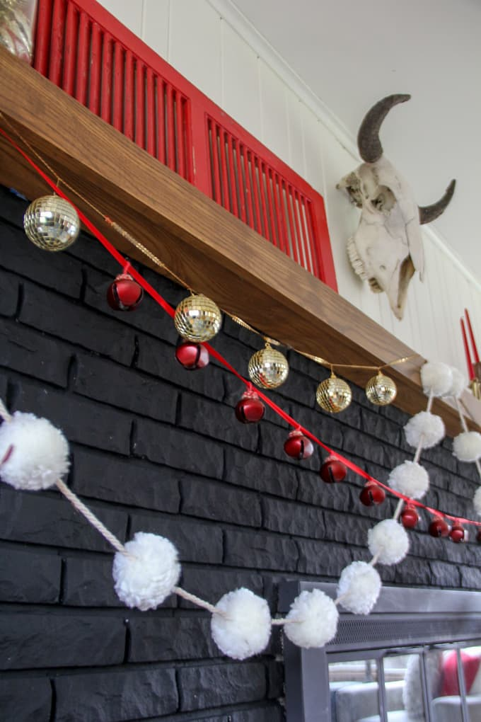 Modern Christmas Fireplace Decor