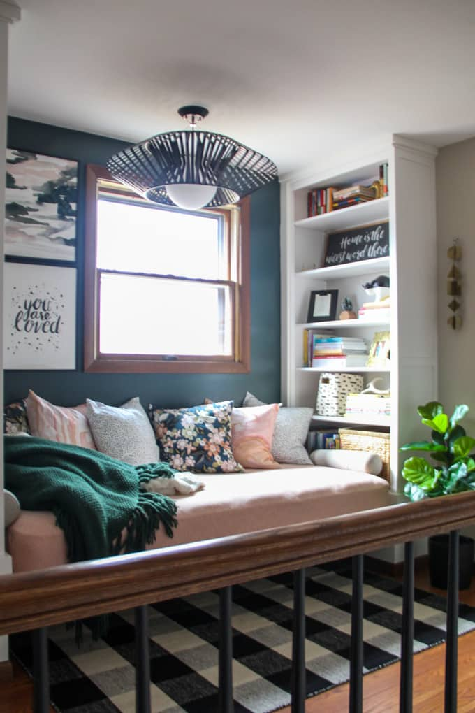Daybed and built in bookshelf
