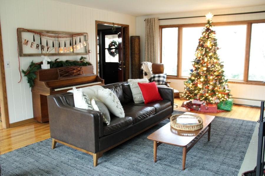Mid Century Modern Living Room Christmas Decorations
