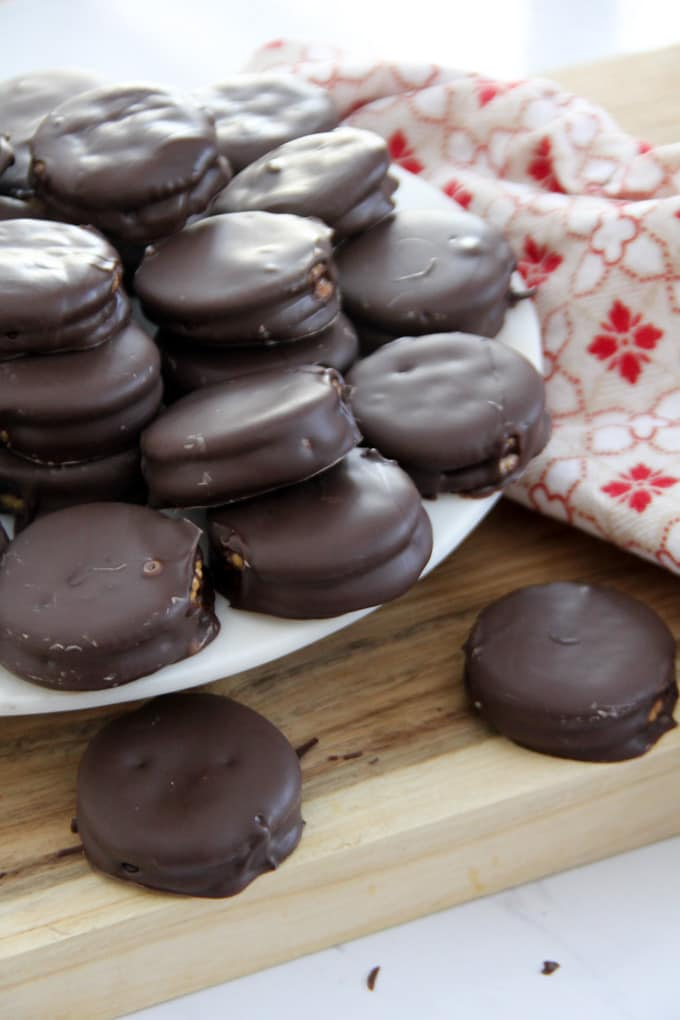 Peanut Butter and Chocolate Ritz Dipped Cookies