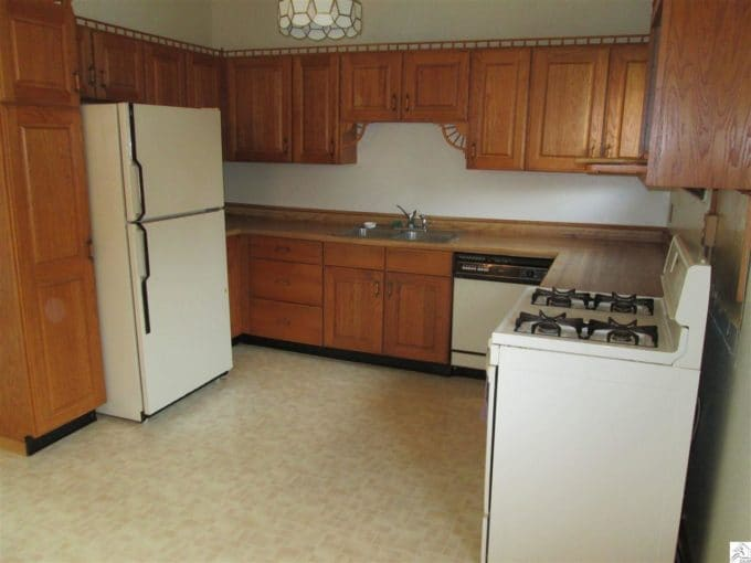 Dated 70's Kitchen Before Flip