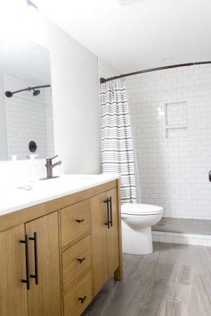 Modern Neutral Bathroom