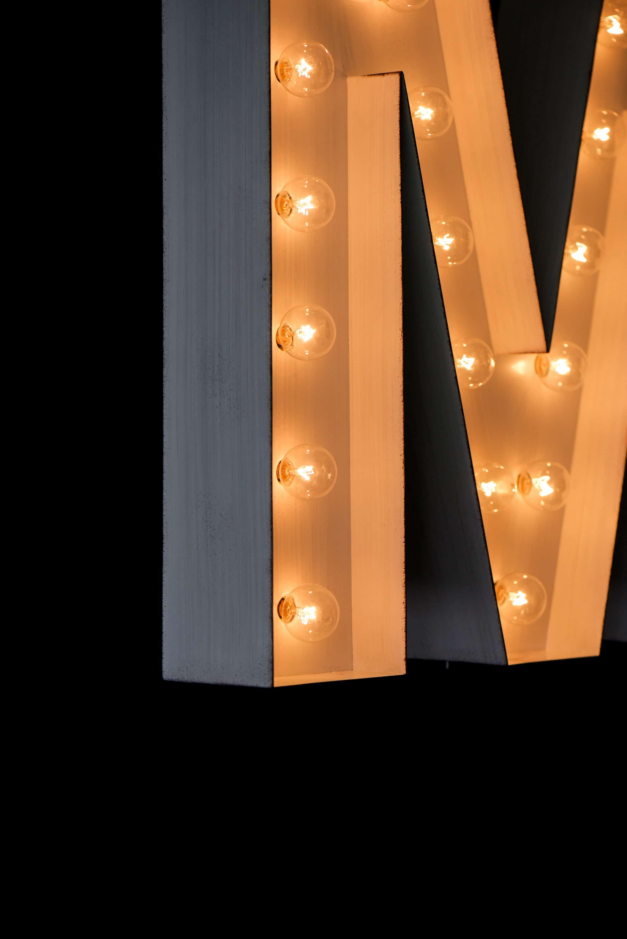 Marquee Light in Kids Bedroom