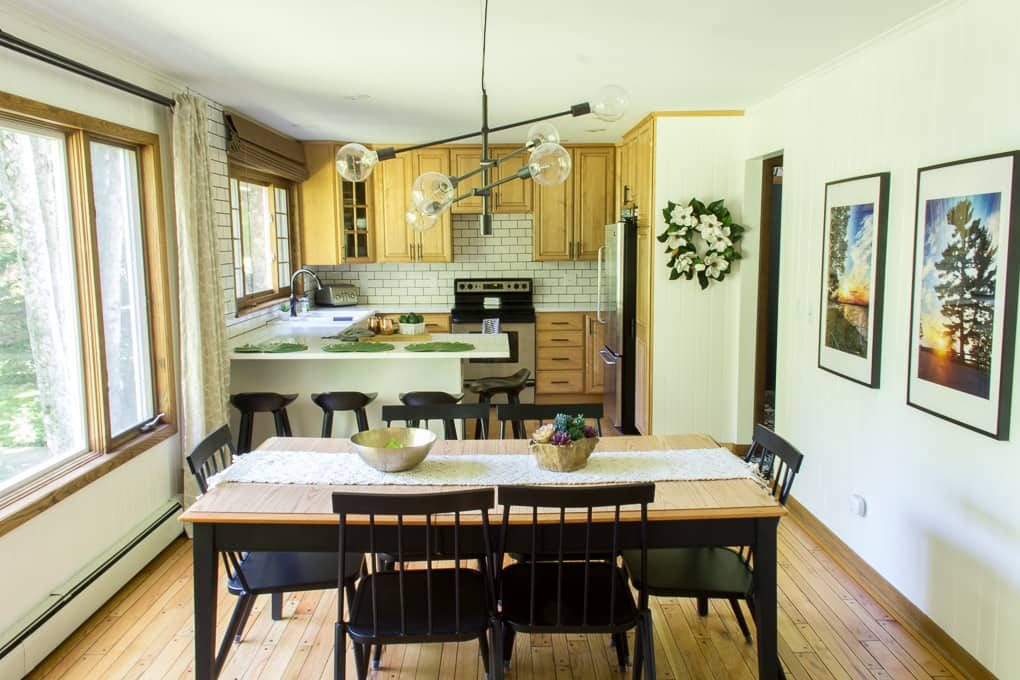 Modern Kitchen with Eat In Dining Room