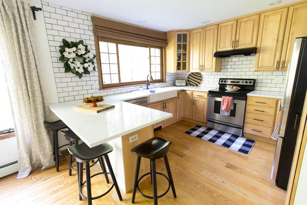 Wood and White Modern Kitchen