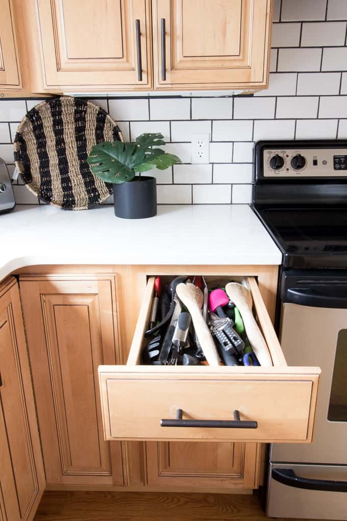 Attractive White Kitchen Countertop Container Cupboard Containers