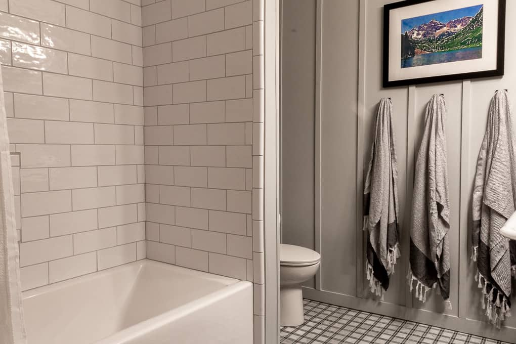 Oversized Subway Tile Tub Surround