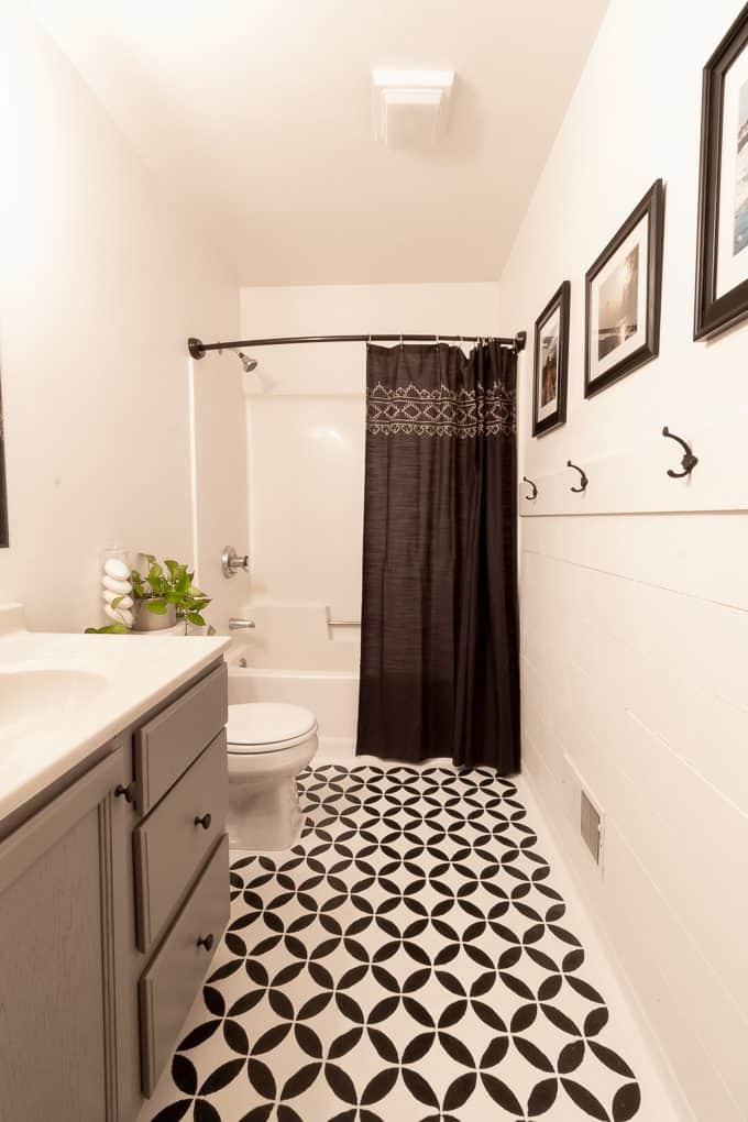 Easy Bathroom Updates in a Weekend!