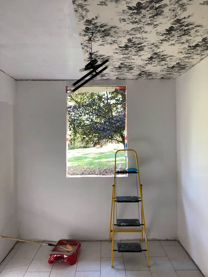 Installing Wallpaper on Ceiling