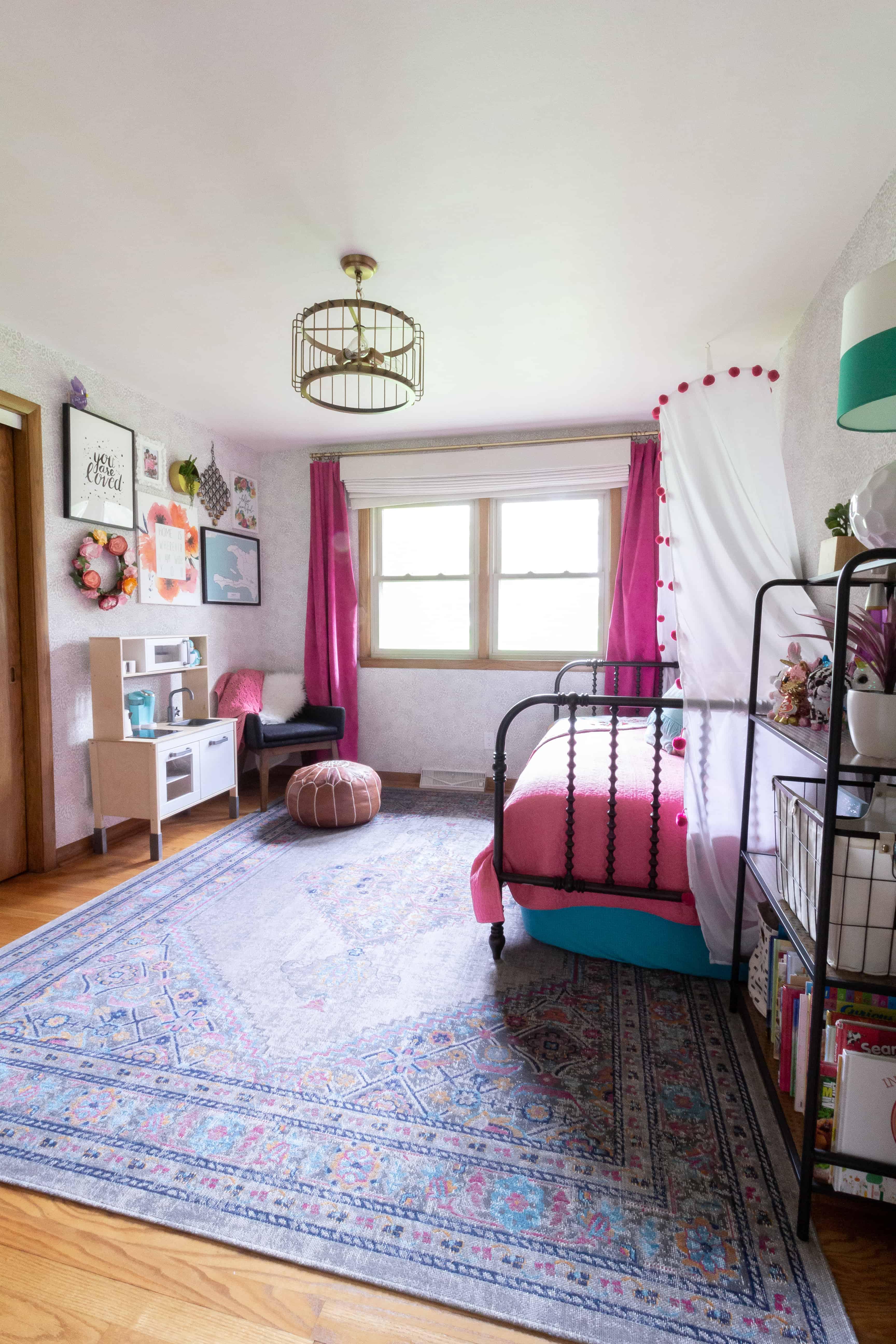 Modern Girl Bedroom - Bright Green Door